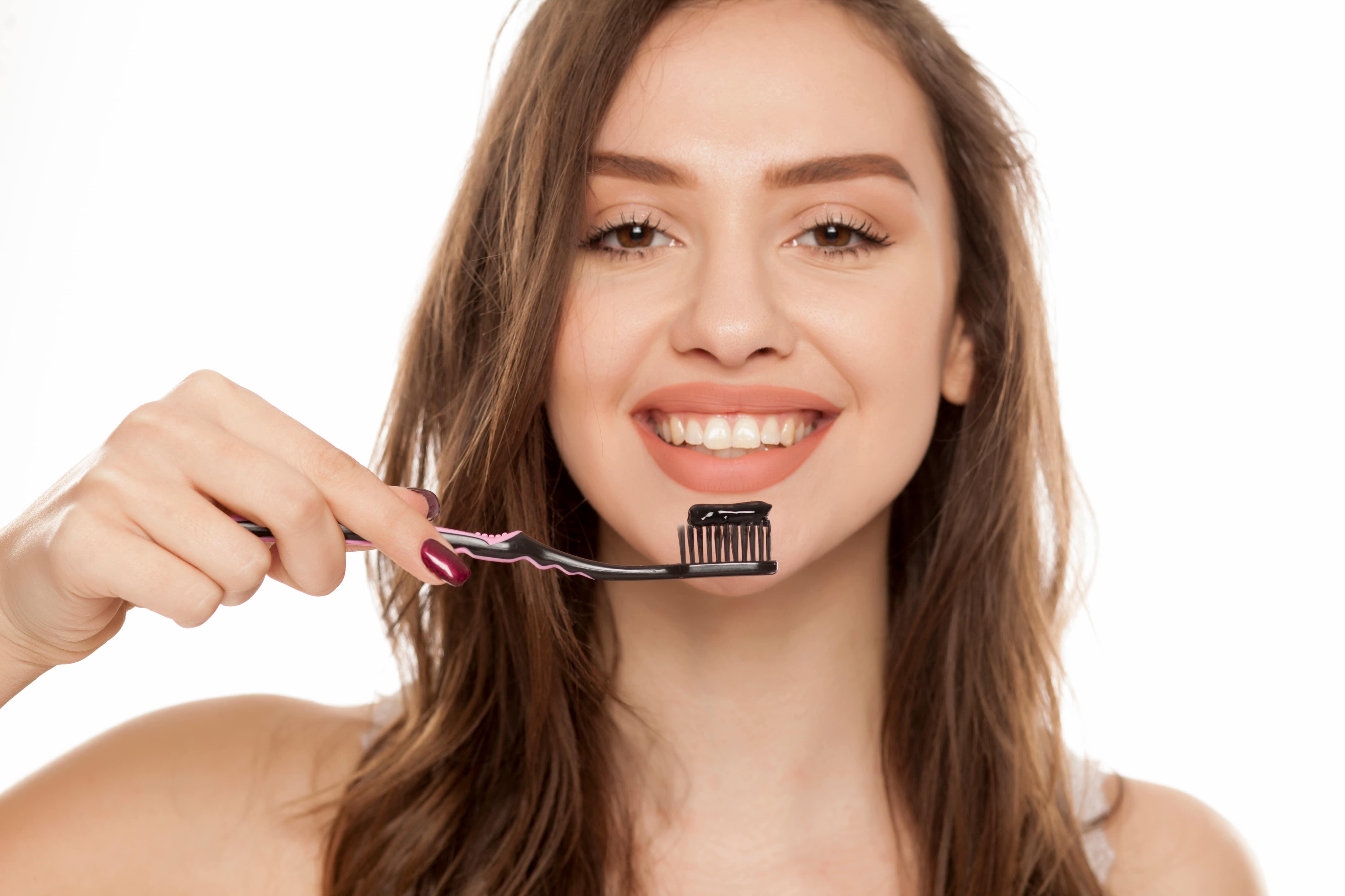 dentifrice-charbonActif